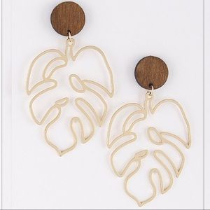 Delicate Hollow Out Leaf Shaped Drop Earrings